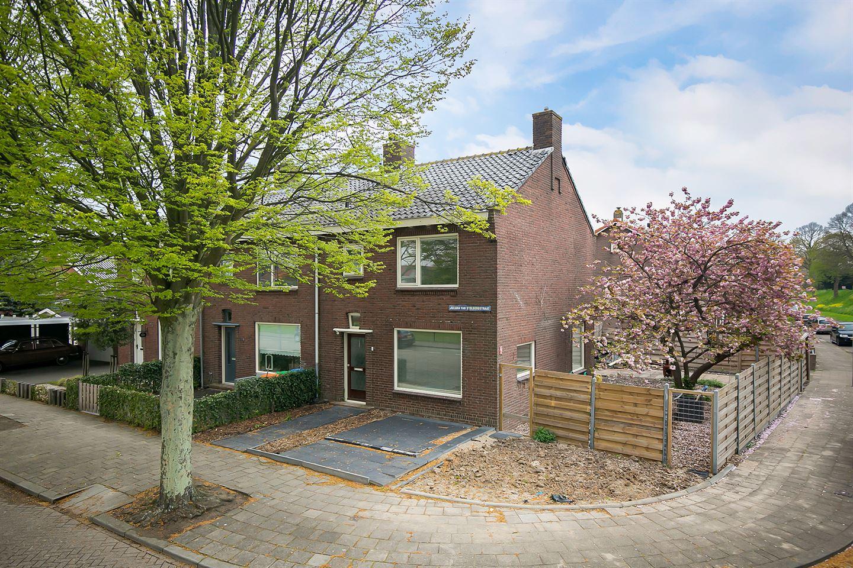 Bekijk foto 1 van Juliana van Stolbergstraat 2