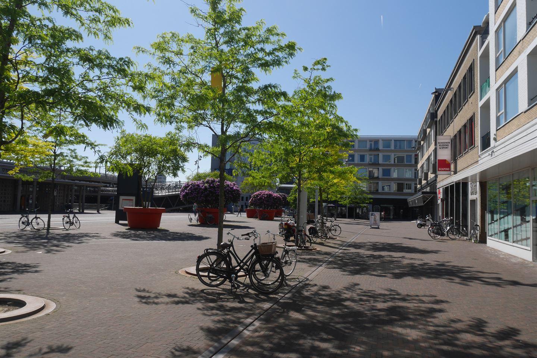 Bekijk foto 2 van Stationsplein 71