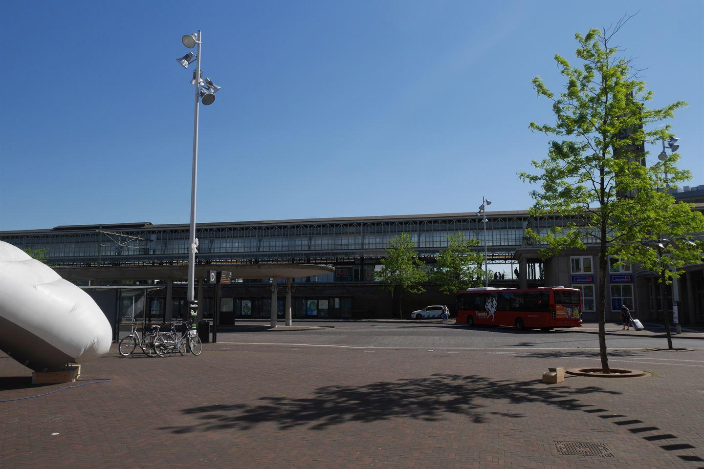 Bekijk foto 3 van Stationsplein 71