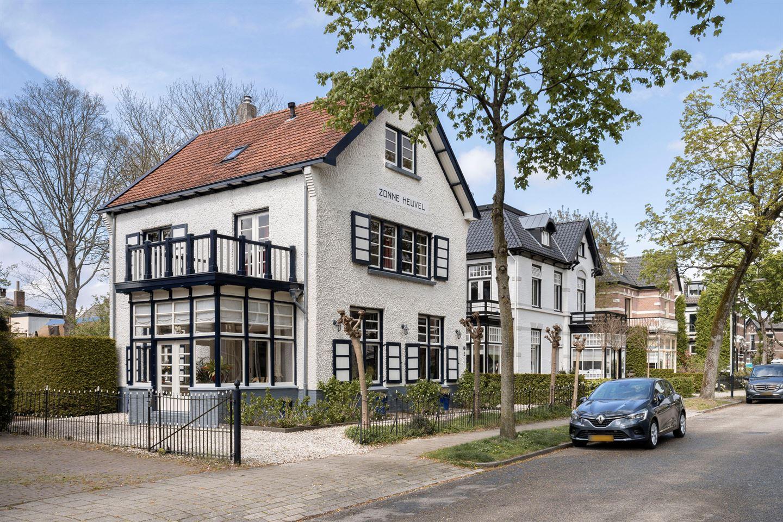 View photo 3 of Daendelsweg 13