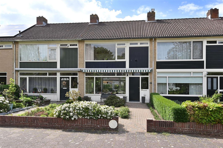 View photo 1 of Landweg 6