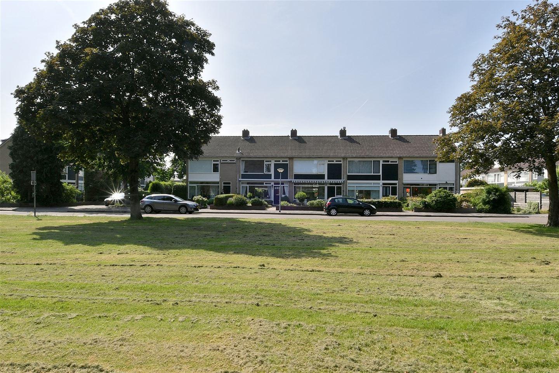 View photo 2 of Landweg 6