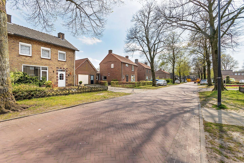 View photo 5 of Korenbloemstraat 11