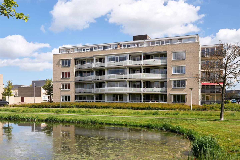 View photo 1 of Jan van Henegouwenstraat 37
