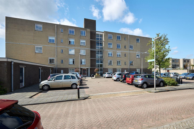 View photo 3 of Jan van Henegouwenstraat 37