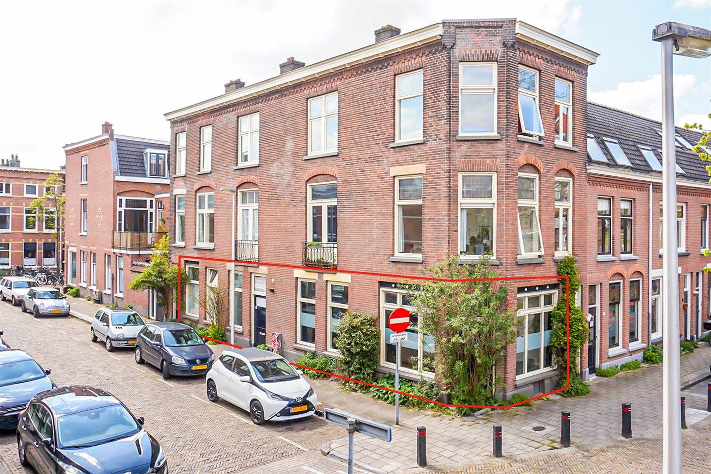 Bekijk foto 2 van M.P. Lindostraat 2
