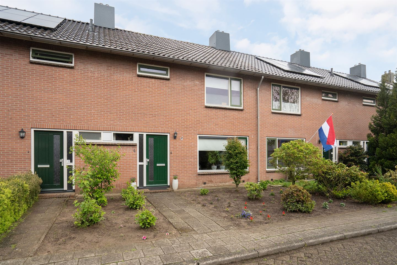 Bekijk foto 1 van Ruysdaelstraat 4