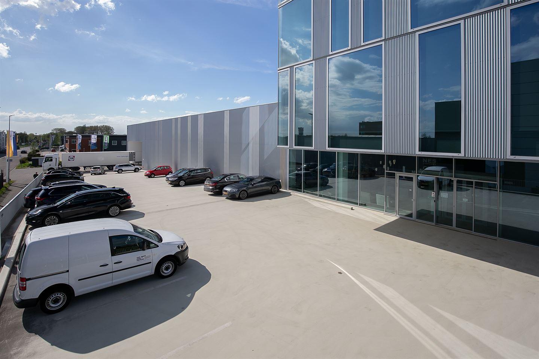 Bekijk foto 3 van Riga 10