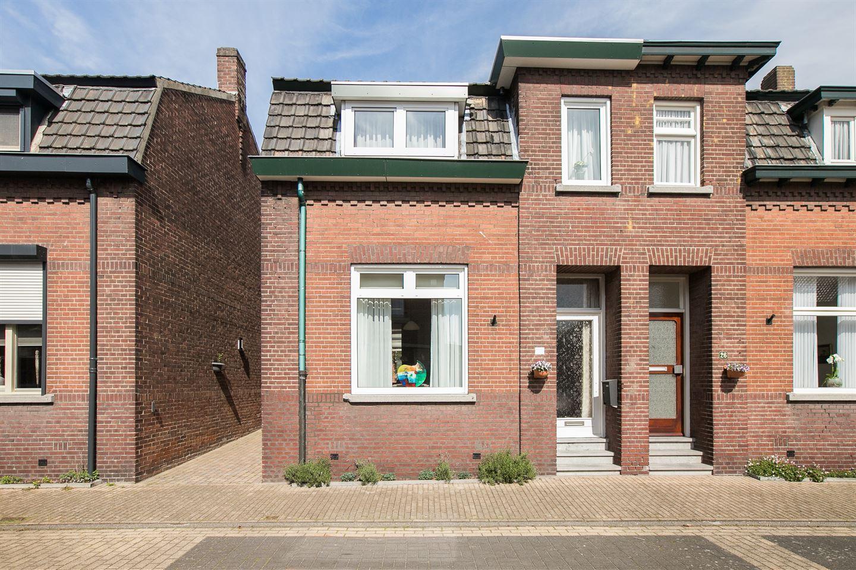 View photo 1 of Bergstraat 28