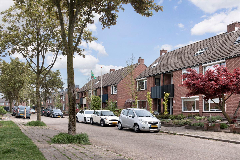 Bekijk foto 3 van Van Limburg Stirumstraat 12