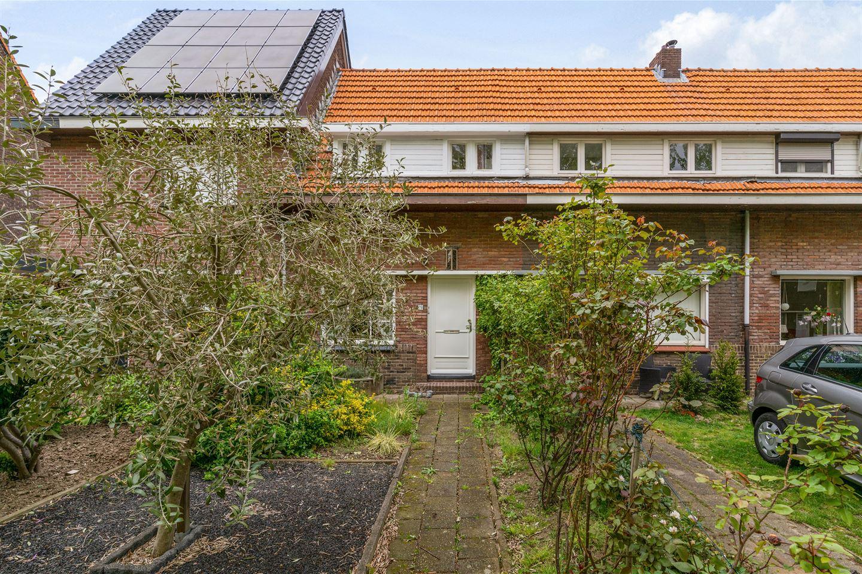 Bekijk foto 1 van Esdoornstraat 29