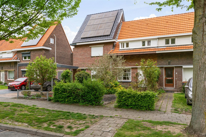 Bekijk foto 3 van Esdoornstraat 29