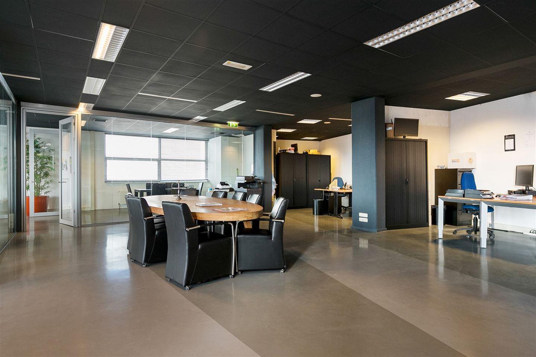 Bekijk foto 3 van Industrielaan 10