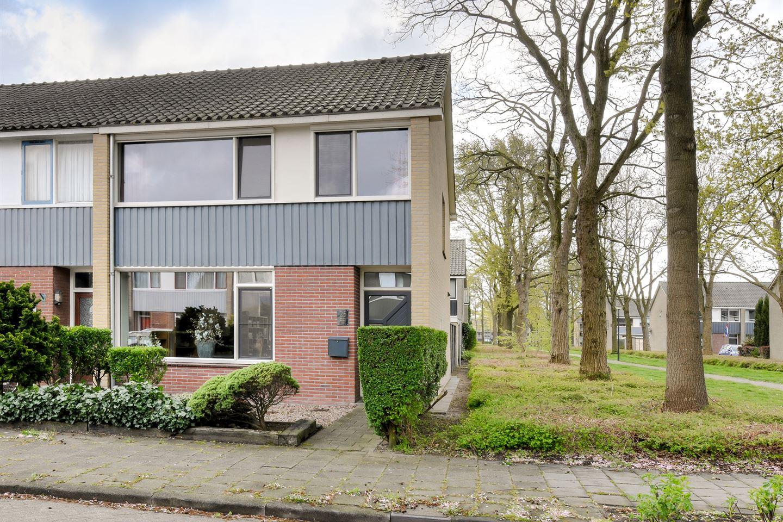 View photo 2 of Wagenaarstraat 25