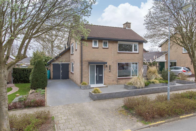 View photo 1 of Oranjestraat 20