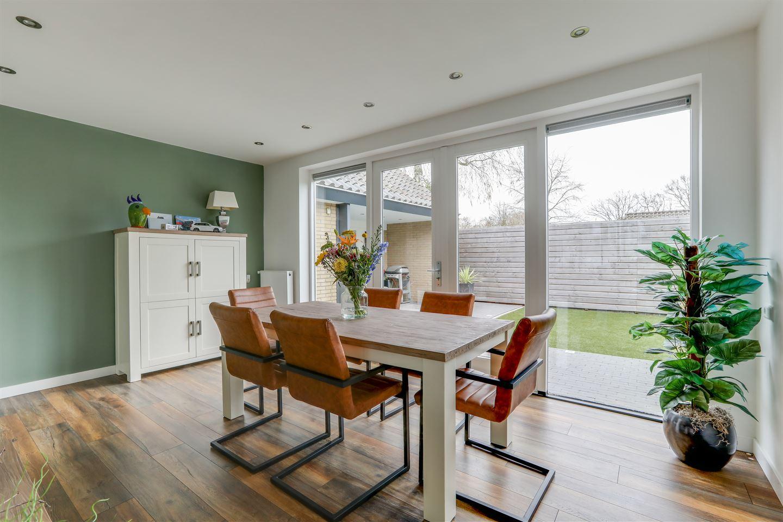 View photo 3 of Oranjestraat 20