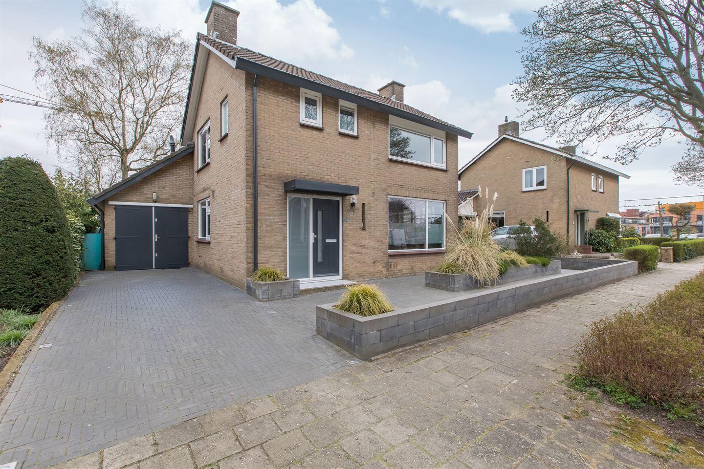 View photo 5 of Oranjestraat 20