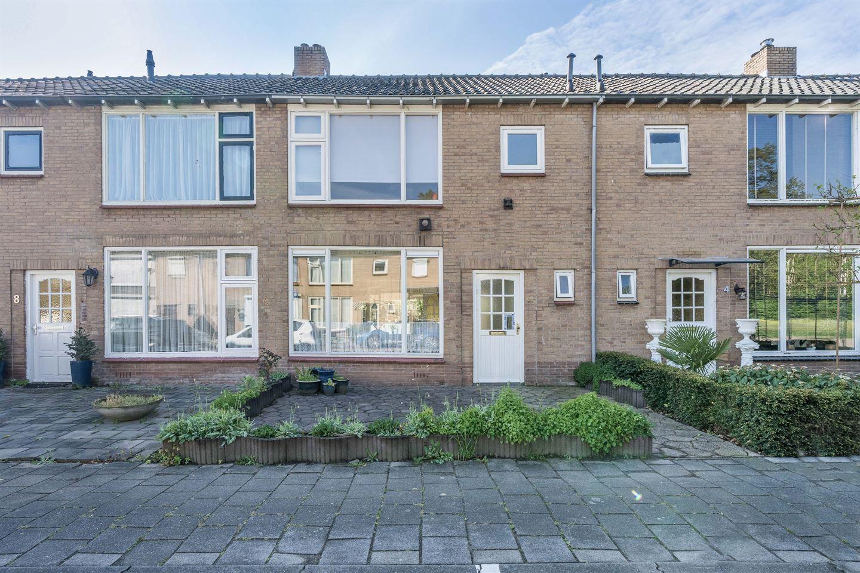 Bekijk foto 1 van Van Buerenstraat 6