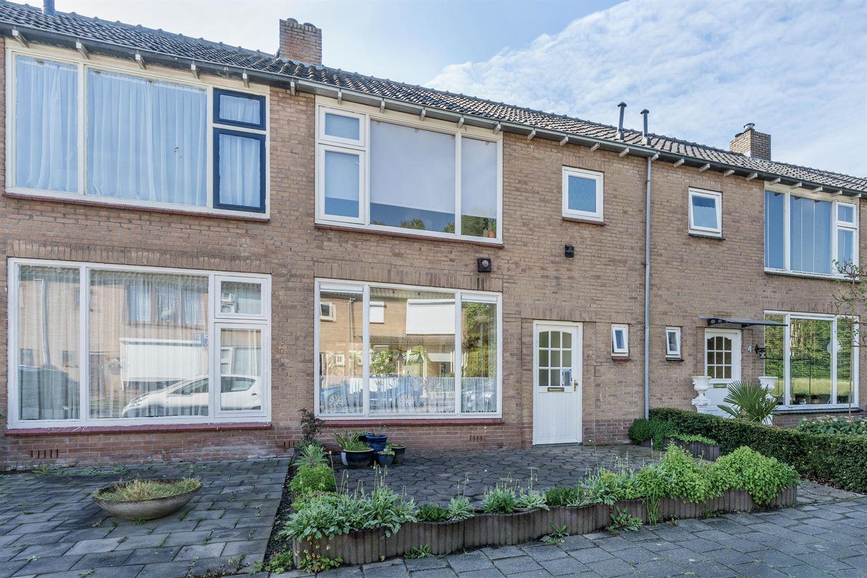 Bekijk foto 2 van Van Buerenstraat 6