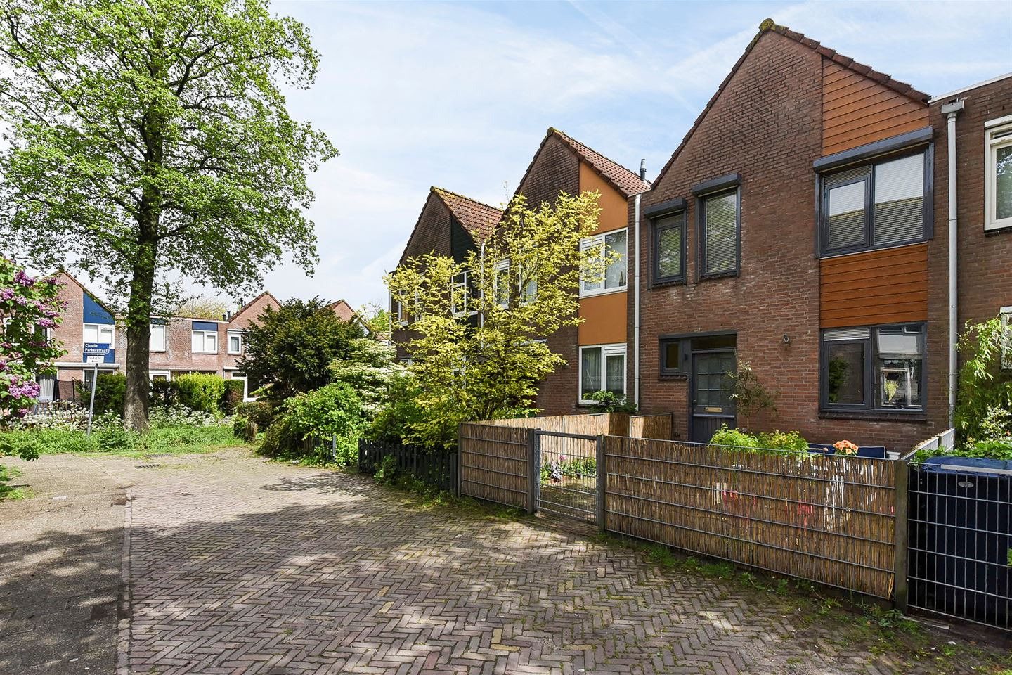 View photo 2 of Charlie Parkerstraat 31