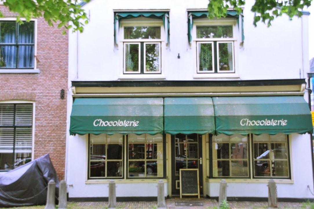 View photo 1 of Voorstraat 28