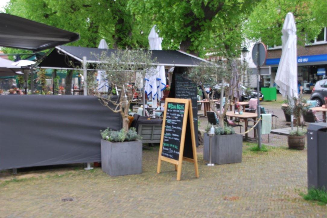 View photo 2 of Voorstraat 28