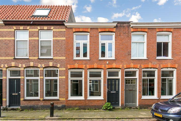 Van der Woudestraat 57