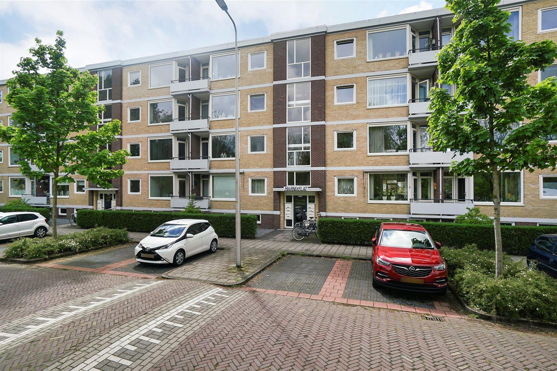 Bekijk foto 2 van Marnixstraat 105