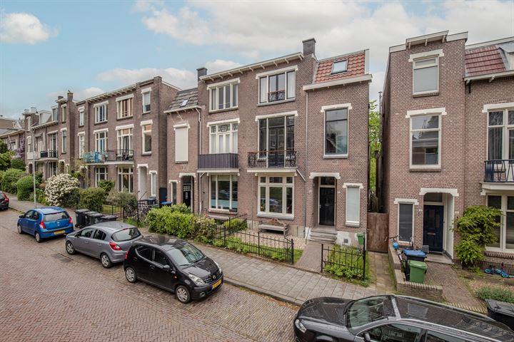 Burgemeester Weertsstraat 46