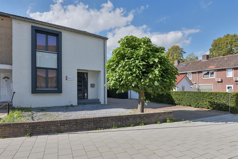 Bekijk foto 3 van Mgr. Claessensstraat 1