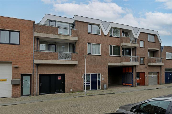 Wingerdhof 13