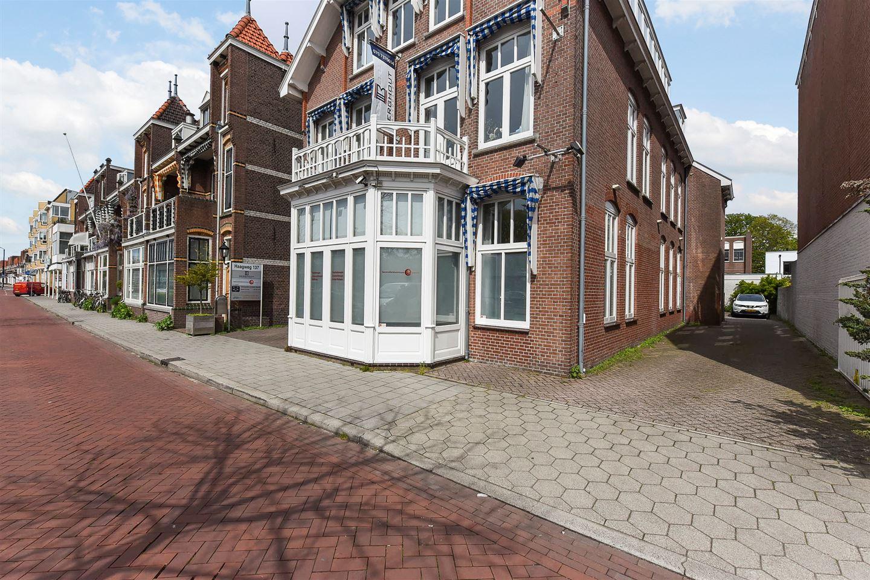 Bekijk foto 2 van Haagweg 137 1e verd