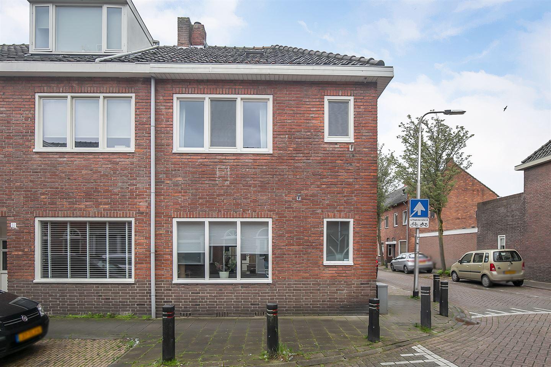 View photo 1 of Blazoenstraat 2