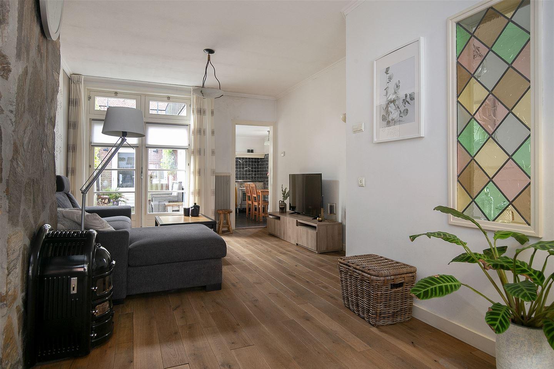 View photo 2 of Blazoenstraat 2