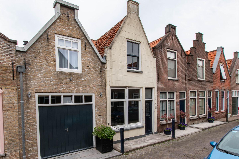 Bekijk foto 2 van Lange St. Janstraat 44