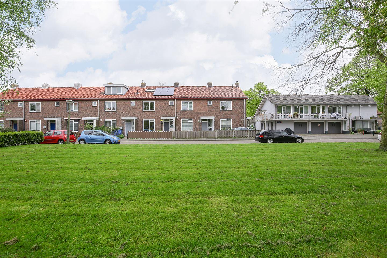 Bekijk foto 1 van De Bazelhof 24