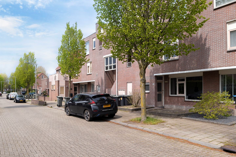 Bekijk foto 1 van Woudrichemstraat 21