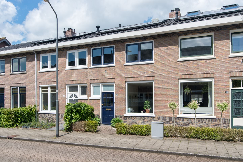 Bekijk foto 1 van Achterkerkstraat 44