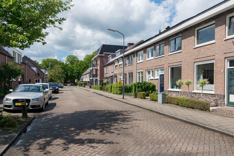 Bekijk foto 2 van Achterkerkstraat 44