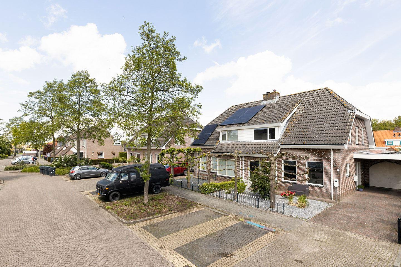 View photo 2 of Middenweg 31