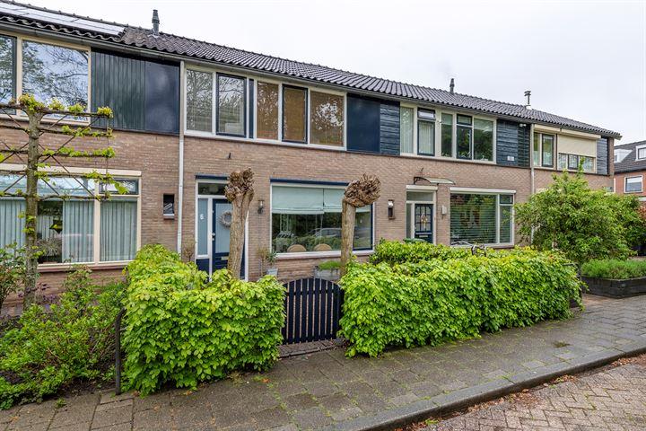 Wethouder van den Burgstraat 6