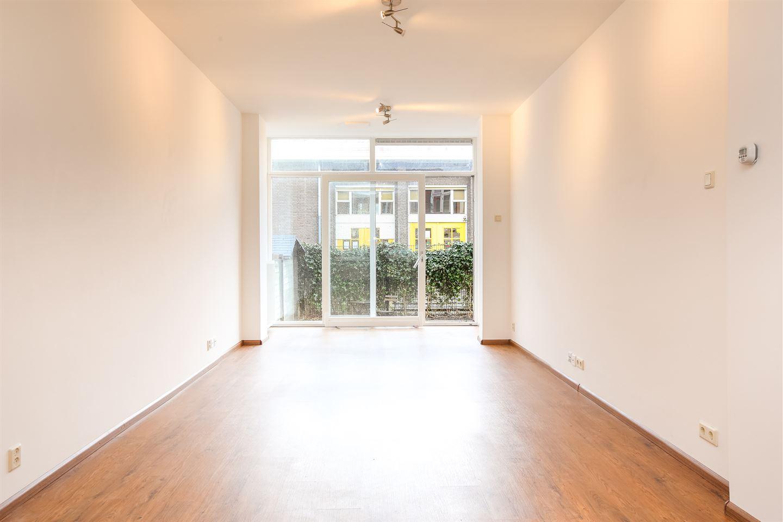 Bekijk foto 2 van Robijnstraat 32 a