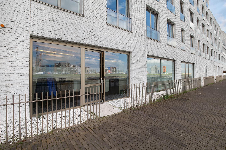 Bekijk foto 2 van Wim Noordhoekkade 130