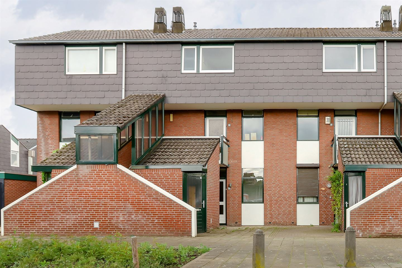 View photo 1 of Zwaluwstraat 157