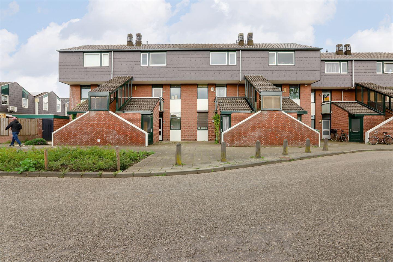 View photo 2 of Zwaluwstraat 157