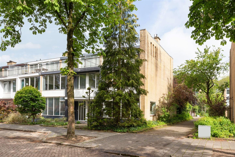 Bekijk foto 2 van Jan Ligthartplein 25