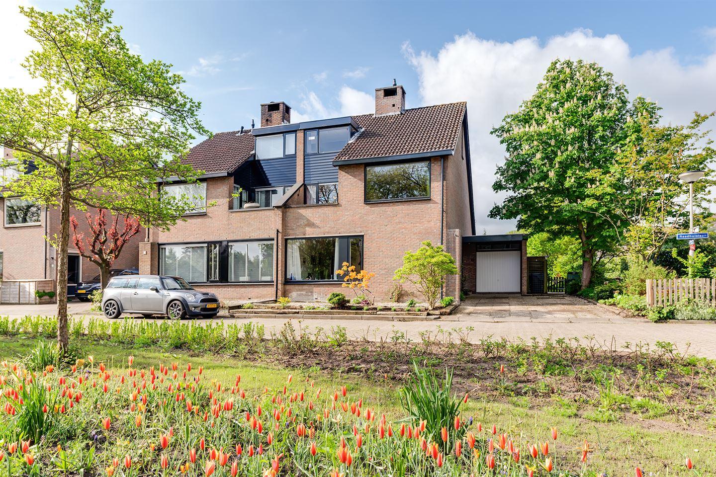 View photo 1 of Raadhuislaan 55