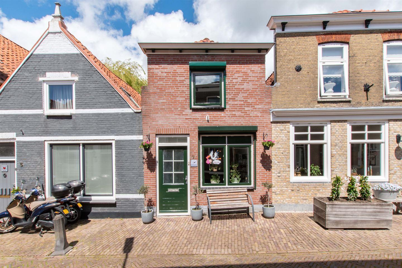 Bekijk foto 1 van Hoge Kerkstraat 7