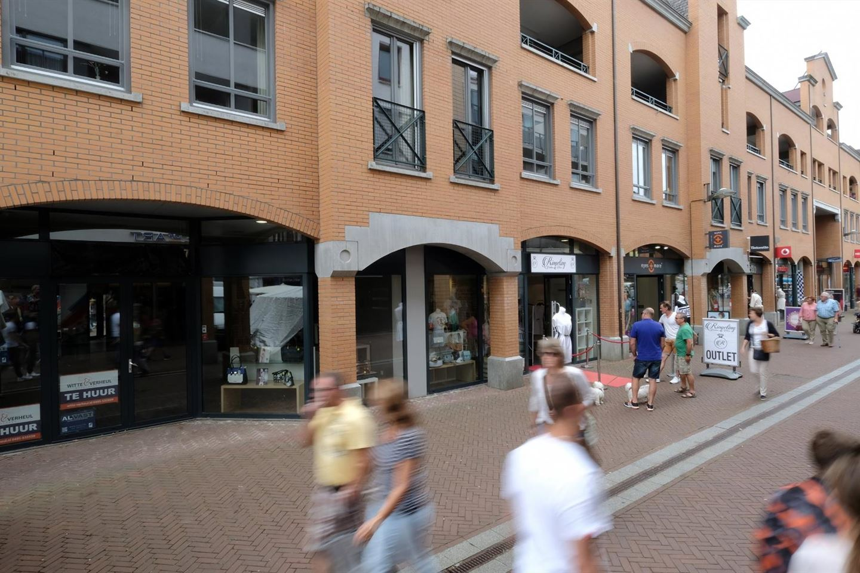 Bekijk foto 3 van Van Berlostraat 47