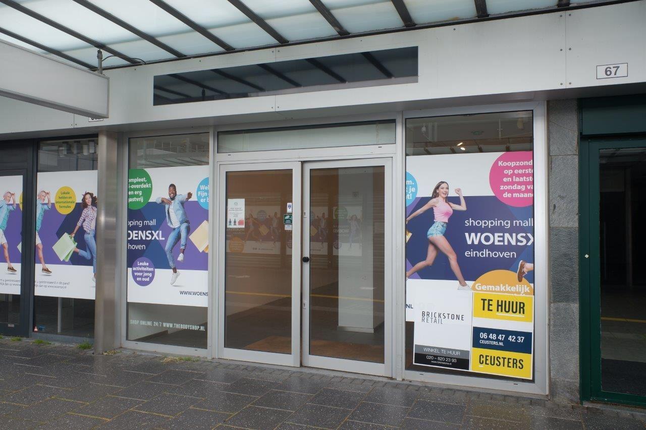 Bekijk foto 2 van Winkelcentrum Woensel 67 A